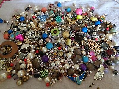Mixed Lot Broken Costume Jewellery Ideal For Crafts