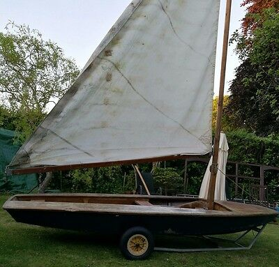 Wooden Sailing Dinghy Cadet Boat with Launcher & Extras