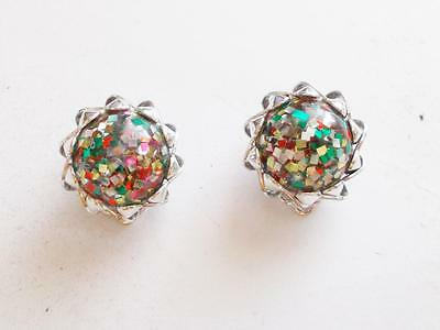 VINTAGE 1950's CONFETTI LUCITE SILVER TONE DOMED BEAD CLIP ON EARRINGS