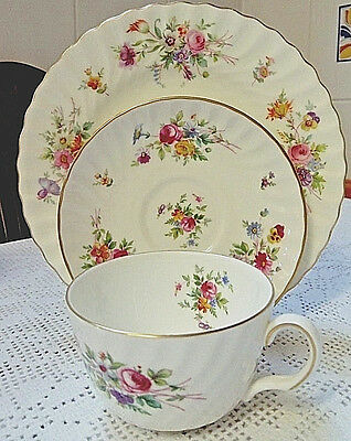 """MINTON """"MARLOW"""" BONE CHINA TRIO OF CUP, SAUCER & 20cm PLATE EXCELLENT CONDITION,"""