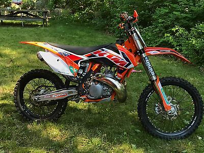 2015 KTM SX  2015 KTM SX250, Like-New, Only 40 Hours, Over $9000 Invested