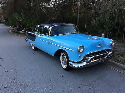 1954 Oldsmobile Ninety-Eight  1954 Oldsmobile 98 with original rear mounted working A/C