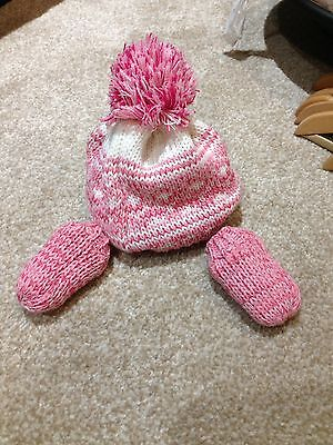 Baby Girls Hat And Mittens 0-3 Months