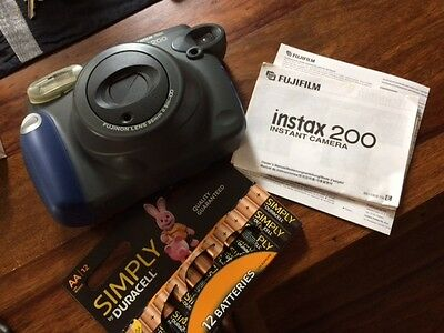 Fujifilm Instax 200 Colour Polaroid Camera & 12 Aa Duracell Batteries - Spotless