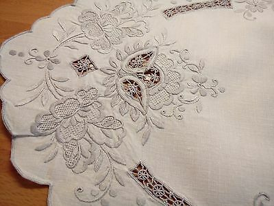Vintage Beautiful Madeira Hand Embroidered Oval Table Topper