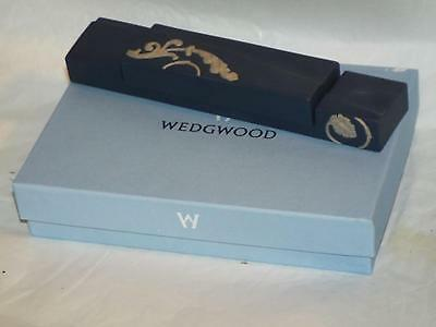 Wedgwood Craftsman Collection Dark Blue Jasper JAPANESQUE PAPERWEIGHT New Boxed