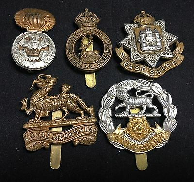 #7 Vintage Army WWII WWI MILITARY CAP BADGE LOT X 5 ROYAL BERKSHIRE War Metal