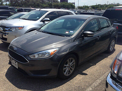 2015 Ford Focus  2015 Ford SE