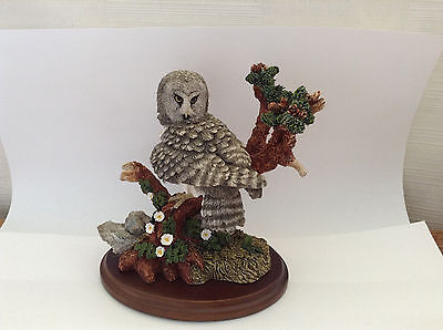 Fine Detail Country Artists Bird Sculpture Great Grey Owl Downy Rose 01312