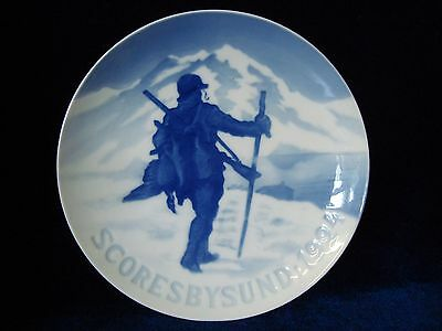An Antique Bing & Grondahl Porcelain Wall Plate 'hunter' 1924.