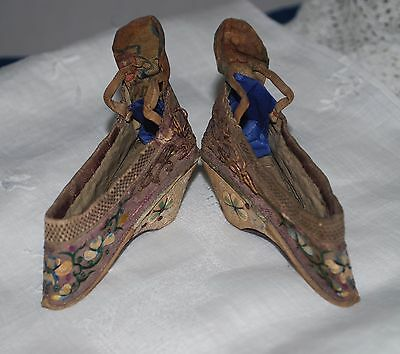 "RARE Pair Antique 3"" Silk Couching Embroidered Chinese Bound Foot Slipper Shoes"