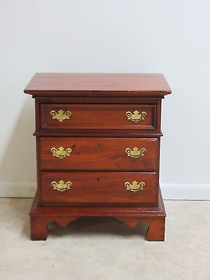 Lexington Pine Chippendale Lamp End Table Night Stand