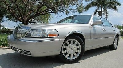 2006 Lincoln Town Car 4D 2006 LINCOLN TOWN CAR SIGNATURE LIMITED, SOUND MARK, CD, SUNROOF, HEATED LEATHER