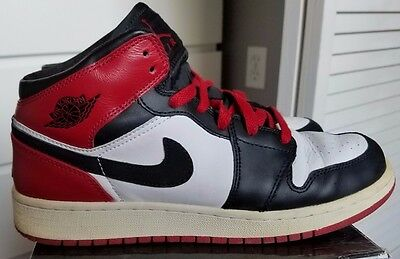"AIR JORDAN 1 RETRO (GS) ""BLACK TOE"" Sz 6Y"
