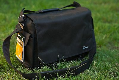 LOWEPRO Urban Reporter 250 Dslr Camera/Laptop Bag New w/tag, Black