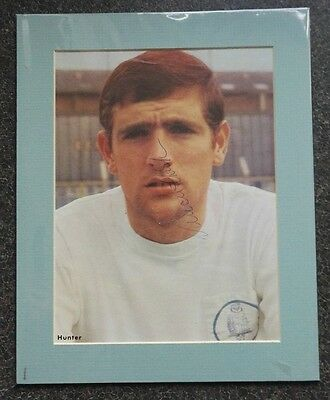 """1960's NORMAN HUNTER - LEEDS UNITED & ENGLAND  SIGNED MOUNTED DISPLAY 10"""" x 8"""""""