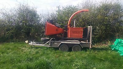 Timberwolf tracked chipper TW 150 FTR. Plus twin axe Trailer