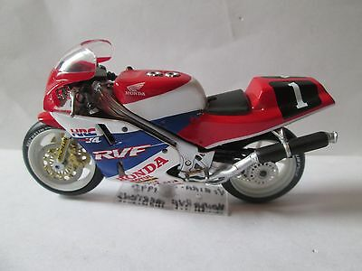 Honda Rvf 1990 Endurance Racer  Ixo 1-24 Scale Motorcycle  Model