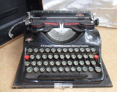 Rare Antique 1930's German GROMA typewriter portable in case