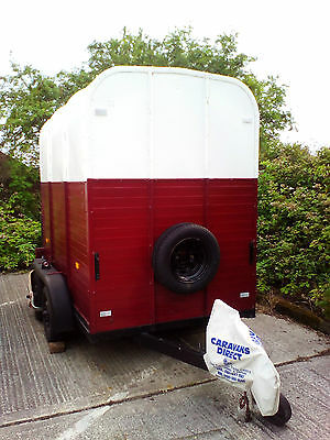 Fantastic Rice Horsebox Trailer