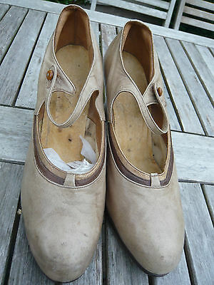 Genuine 1910 1920's Shoes  Beige Leather Mary Jane Heels Sz 4