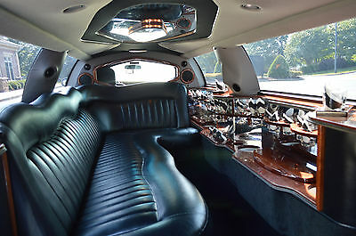 """2004 Lincoln Town Car Limo Very Nice Condition Lincoln Town Car 120"""" Stretch 10 pass Executive Coach Limo!!"""