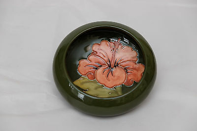 A lovely Walter Moorcroft Coral Hibiscus small bowl with a peach flower design