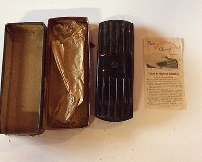 VINTAGE ANTIQUE ELECTRO-STATIC MAGNETIC CLEANER Dust Clothes