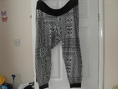 Maternity trousers size 22 black white comfy used