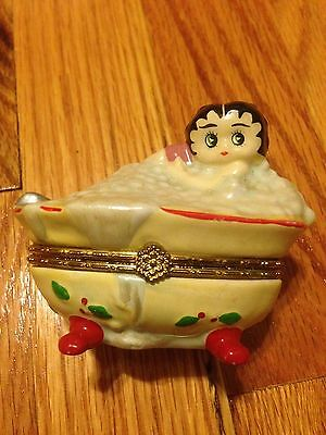 1999Betty Boop In Bubble Bathtop Trinket Box, From King Features
