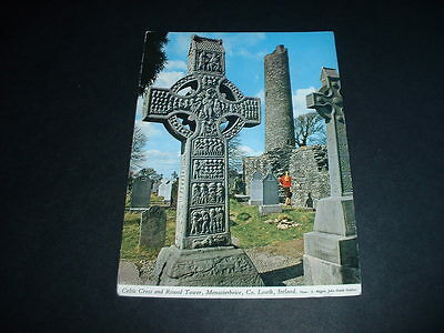 IRISH  POSTCARD  CELTIC CROSS AND ROUND TOWER MONASTERBOICE Co LOUTH