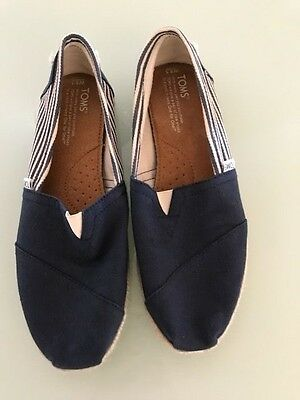 Tom's Womens Casual Slip On Shoes - Navy Blue And White - Size W8.5