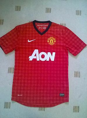 new manchester united t-shirt size small