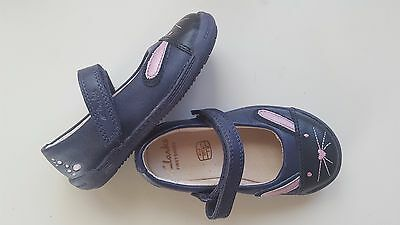 CLARKS baby girl UK size 4.5 IVA BUNNY navy blue leather first walking shoes NEW