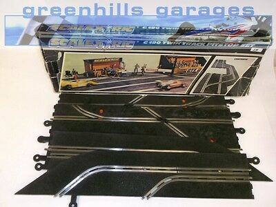 Greenhills Scalextric Classic twin Track Pitstop Set Boxed  C190 Used –  T3058