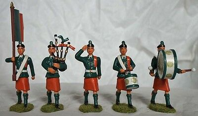 5 Irish Army Defence Forces Metal Band Figures Flag Drum Bagpipes Saluting