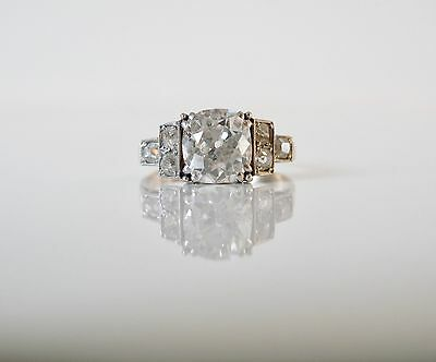 Art Deco Ring with 2,30 Carat Old Cut Diamond and Diamonds 375/9 carat gold