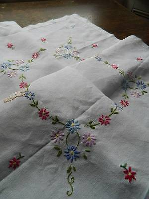 """Vintage hand embroidered Irish linen tablecloth. 31"""" sq"""