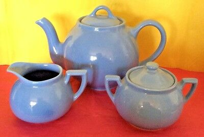 LOVELY Vintage LIPTON'S TEA 5 Piece Tea Pot Creamer & Sugar Bowl Set Blue