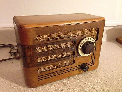 Ultra Rare Antique Westinghouse 1939 Wood Case Table/Mantel Tube Radio B4 70