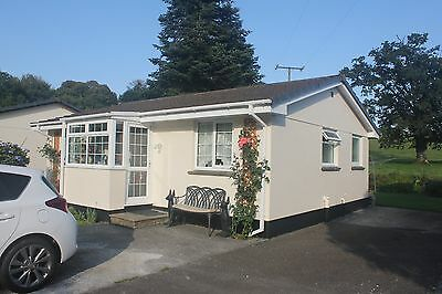 CORNWALL 2 BED HOLIDAY BUNGALOW SLEEPS 4   ARRIVE 1 st  JULY  - DEPART  8th JULY