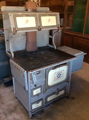 Home Comfort Coal/Wood Cook Stove Circa 1910s/1920s