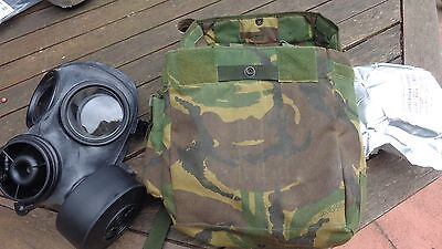 Genuine British Issue Army Respirator S10 with Cannister and Fullers Earth & Bag
