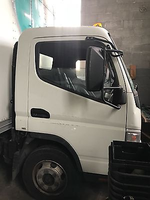 18 foot Mitsubishi Fuso 2005 box truck - can be converted to refrigerated