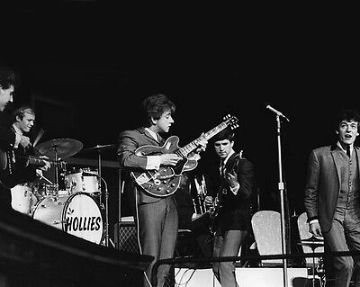 English Rock & Pop Band THE HOLLIES Glossy 8x10 Photo Musical Print Poster