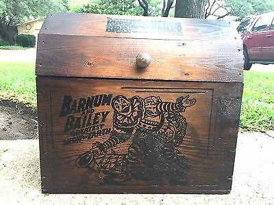 Vintage 1980's BARNUM & BAILEY RINGLING Bros Wood Storage CIRCUS CHEST Toy Box