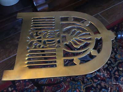 LARGE VICTORIAN BRASS TRIVET FOR FIREPLACE. BRASS POT STAND 20th CENTURY NICE