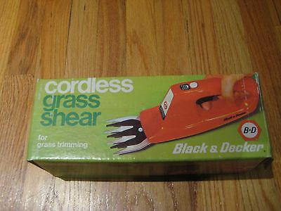 Vintage Black & Decker Cordless Grass Shear.  Model # 8280, Complete! Used