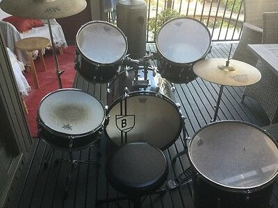 7 piece drum kit and stool