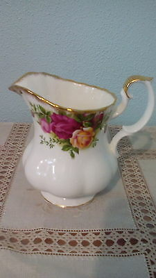 1st QUALITY ROYAL ALBERT OLD COUNTRY ROSES MILK JUG , UNUSED